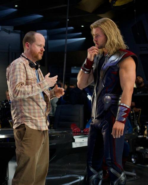 the-avengers-chris-hemsworth-joss-whedon-image