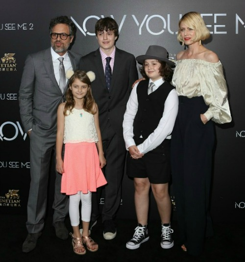 ruffalo-coigney-premiere-now-you-see-me-2-01